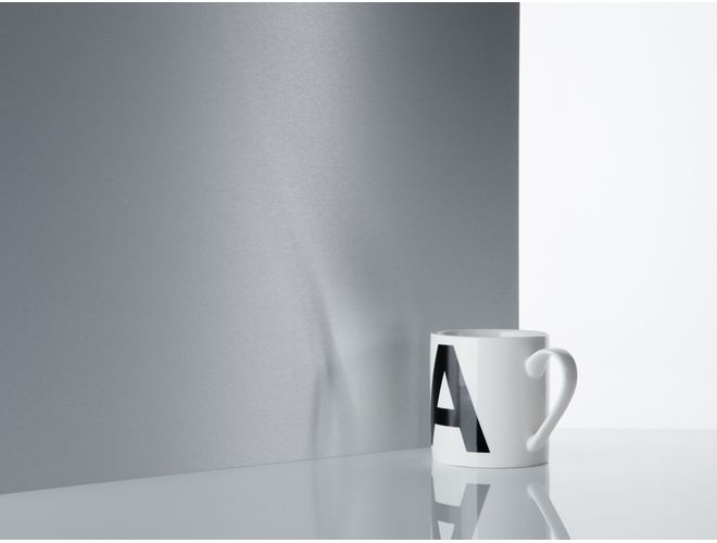 Satin Brushed Aluminium Sheet (reflection) - GA B1420